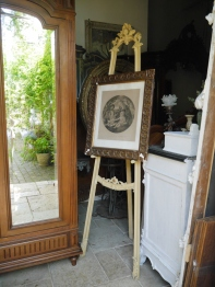 Antique Easel (TA423)