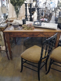 French Table (320-19)