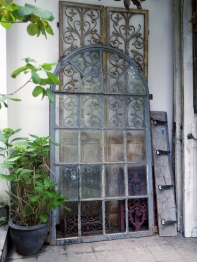 French Window <Medium> (83301-16)